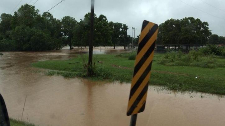 Flooding in Cassville, Mo._1436978000944.jpg