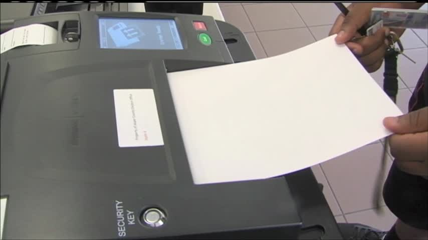 Charlie Davis tries to amend ballot picture law_70229062-159532