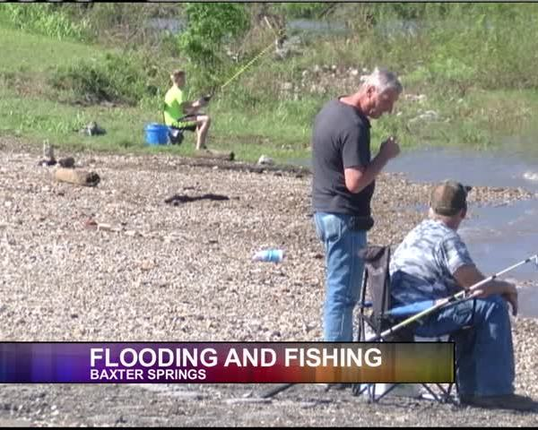 Flooding and Fishing_96243545