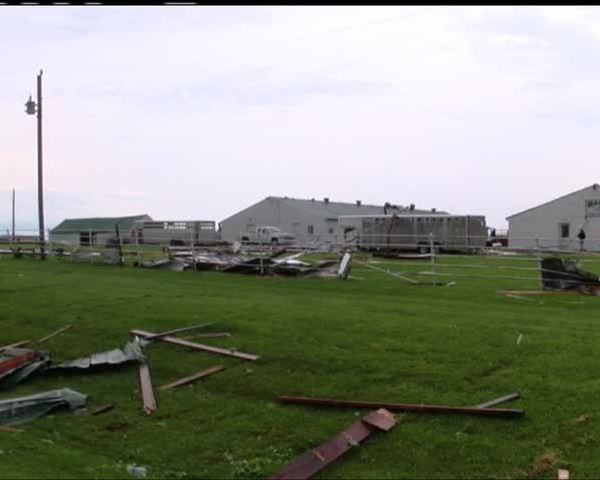 Mt- Vernon man nearly comes face-to-face with tornado_75853604