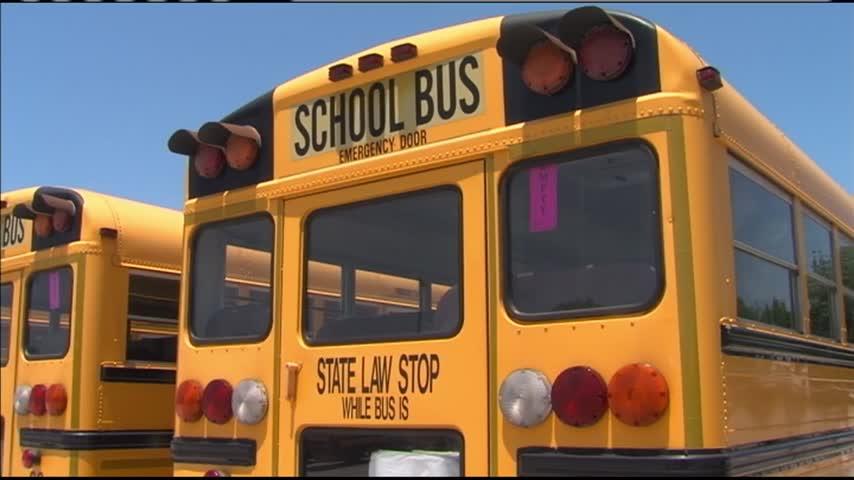 Joplin School District seeks out bus drivers_55996713
