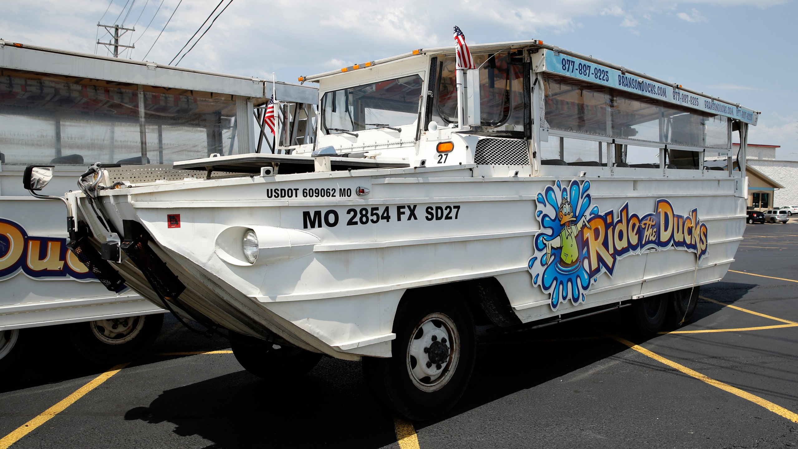 Missouri_Boat_Accident_Duck_Boats_43143-159532.jpg13785884