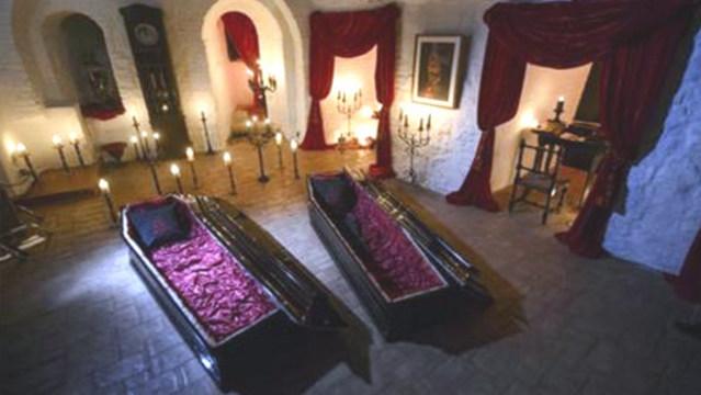 r-draculas-castle-coffins_35340348_ver1.0_640_360_1537809496943.jpg