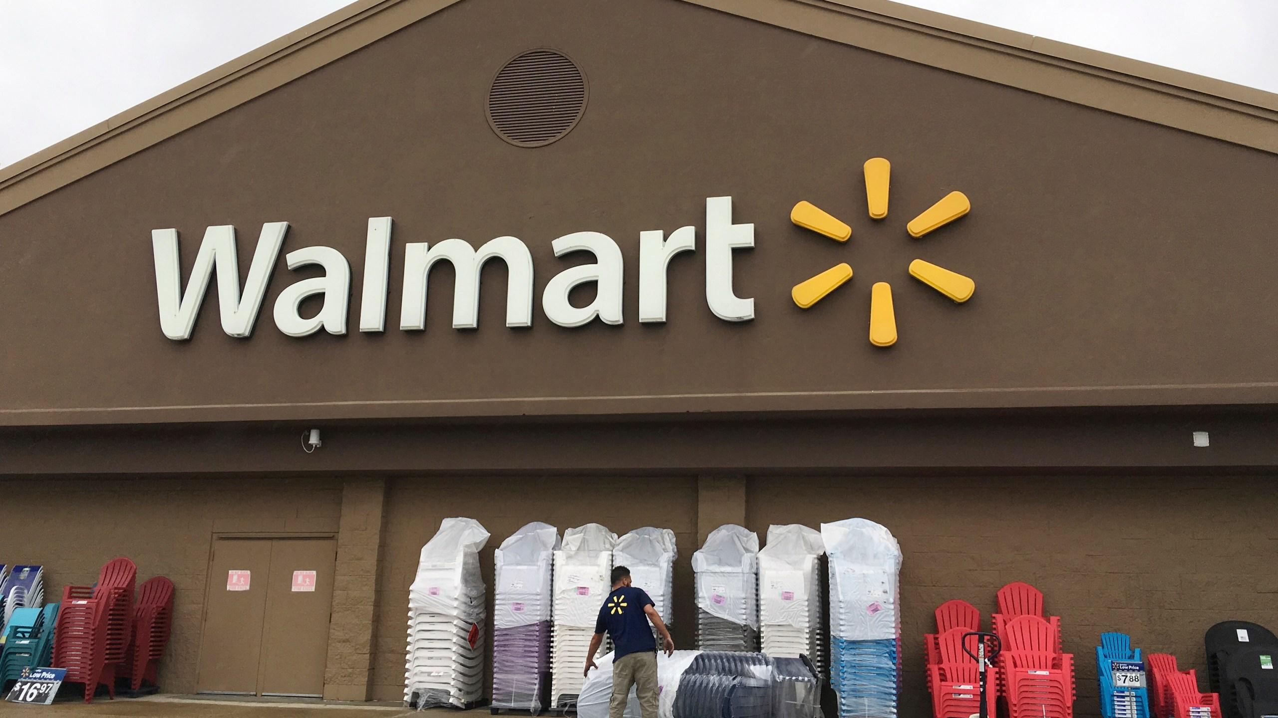 Walmart_Wages_52627-159532.jpg15230623
