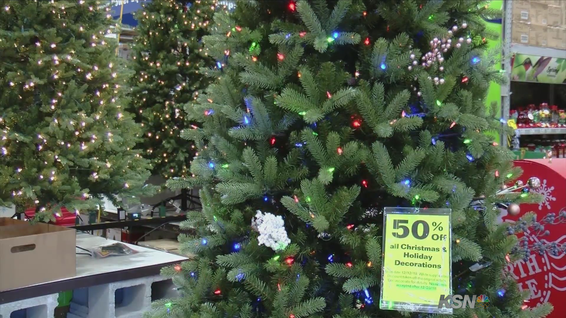 Lowes Christmas Light Recyling 2021 Lowe S Will Take Your Old Christmas Lights