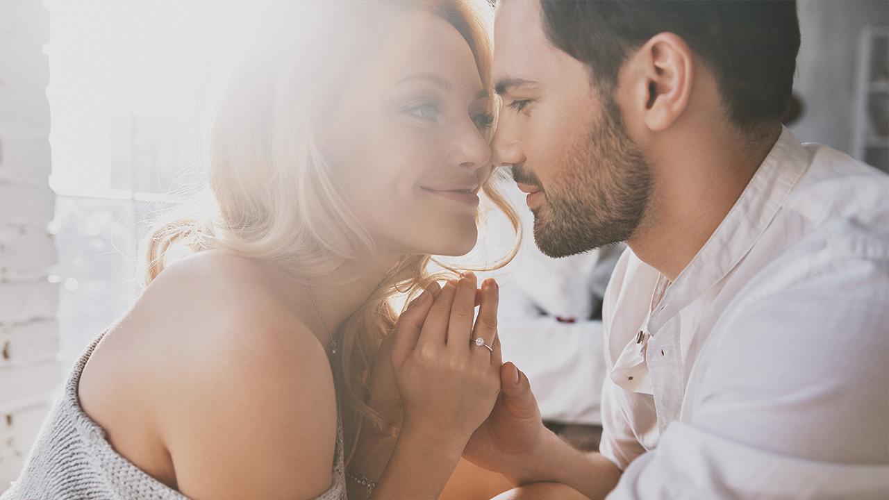 romance-couple-love_1533916217926_392699_ver1_20180811054401-159532