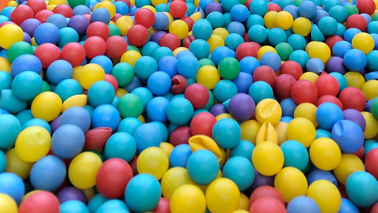 Plastic ball pit78751745-159532