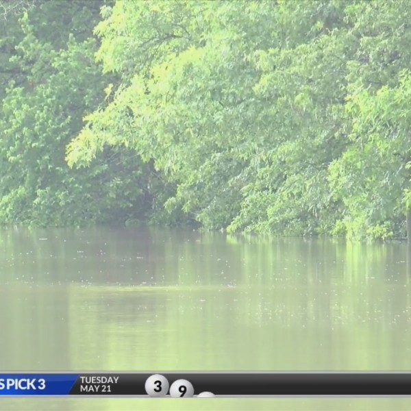 Crawford Co Health experts tell residents to stay out of the flood waters