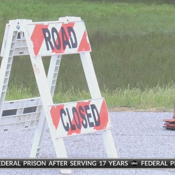 Crawford Co residents continue clean up efforts, roads remain closed