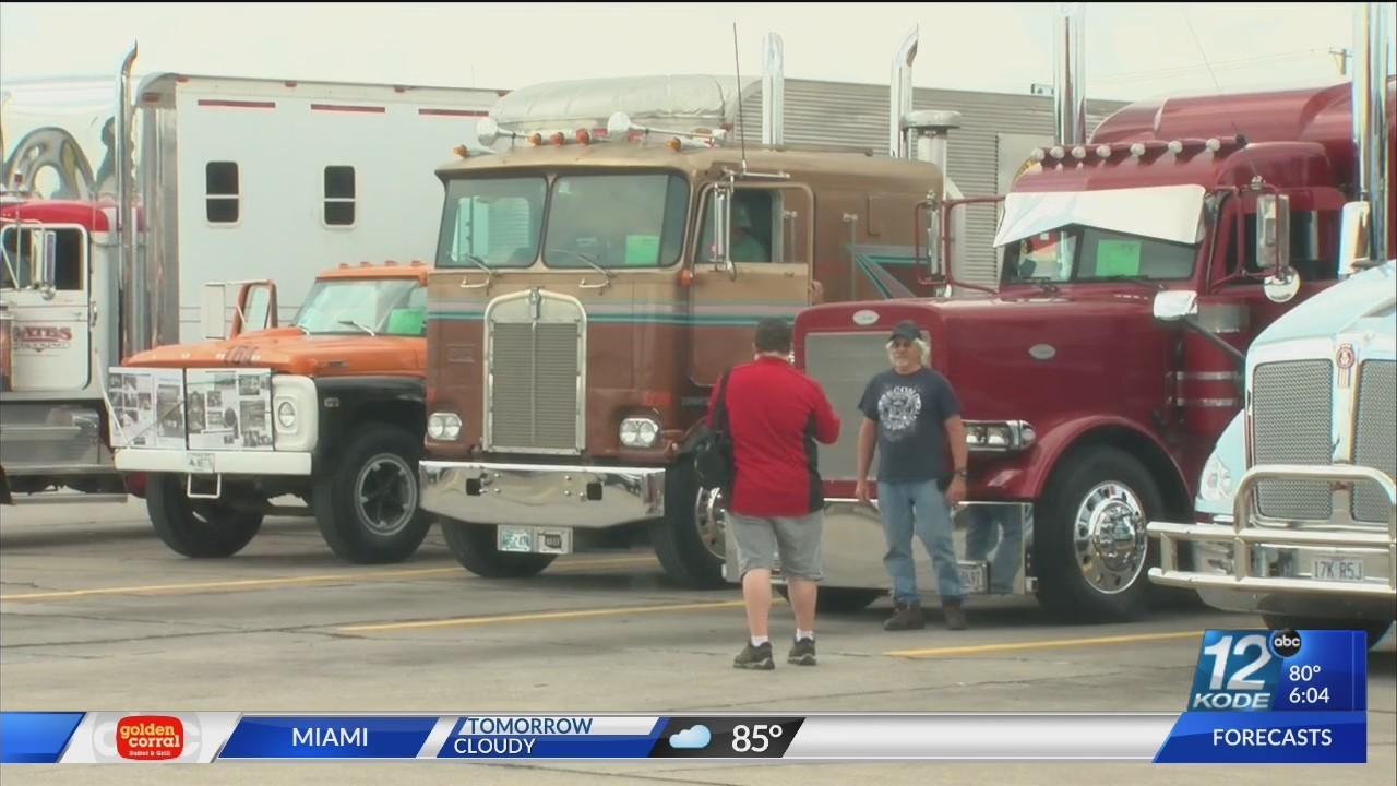 Petro Joplin Mo >> Joplin 44 Petro Hosts Trucking Jamboree