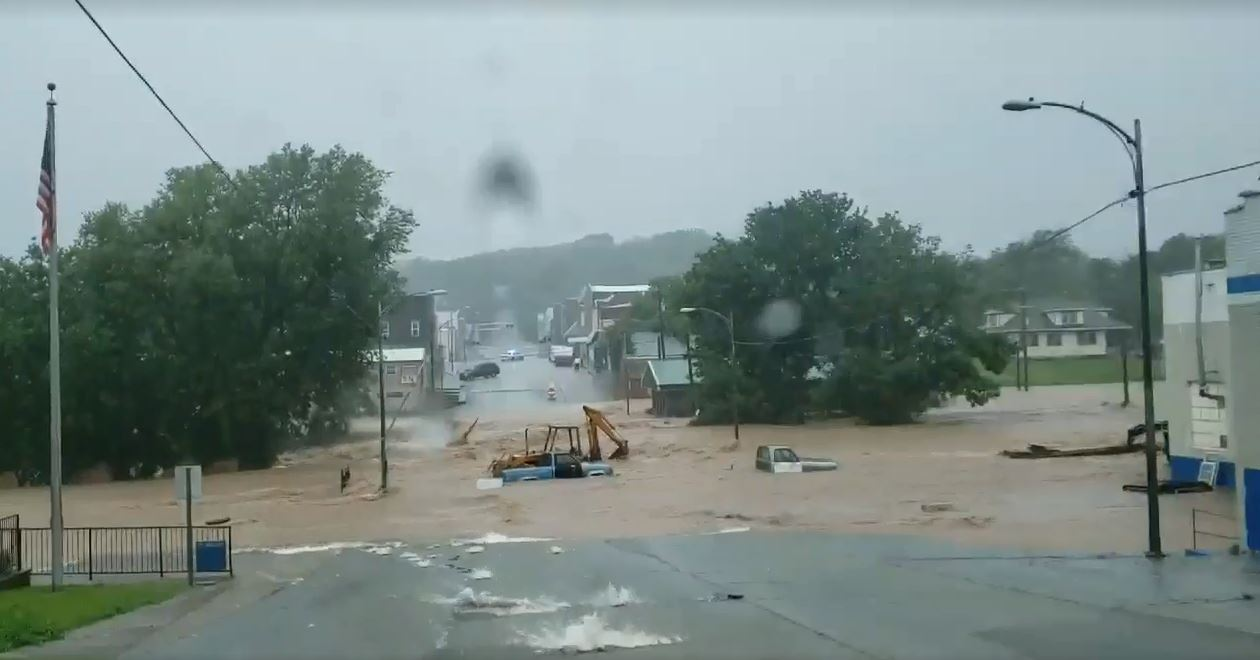 Floods sweep over Main Street in Anderson | KSNF/KODE