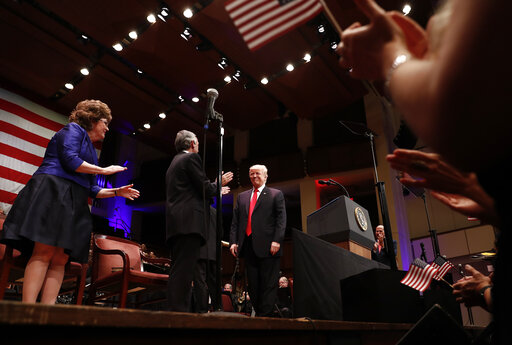 Donald Trump, Robert Jeffress