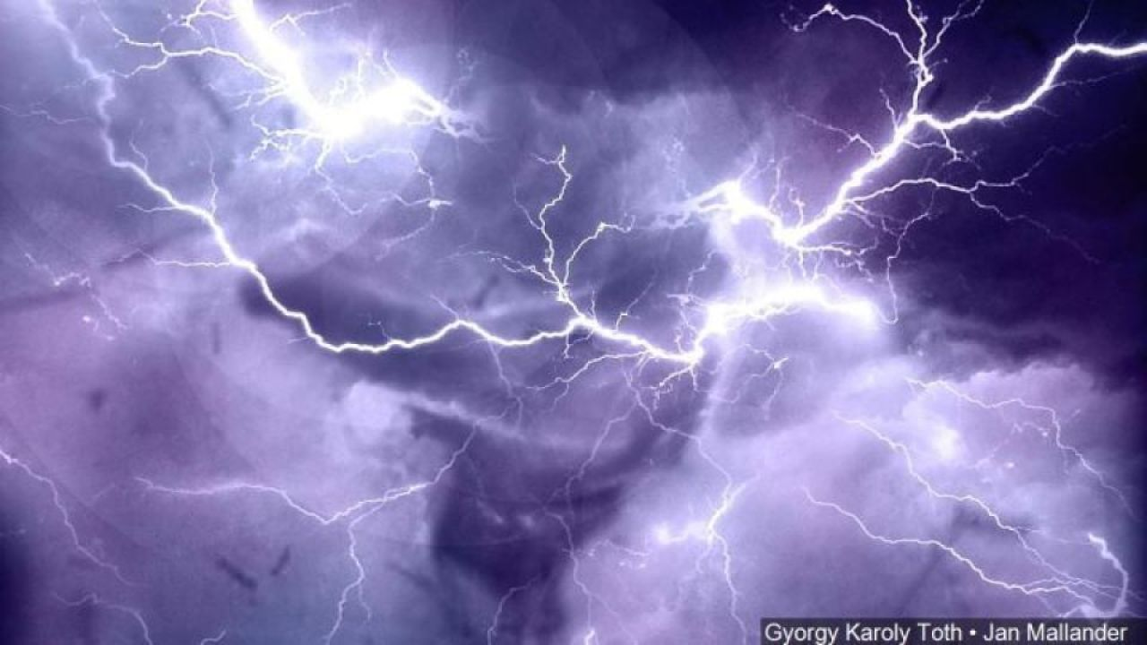 ST. LOUIS – St. Louis summers mean heat, humidity, and storms. Storms mean dangerous lightning. With so many people spending a lot of time outdoors,