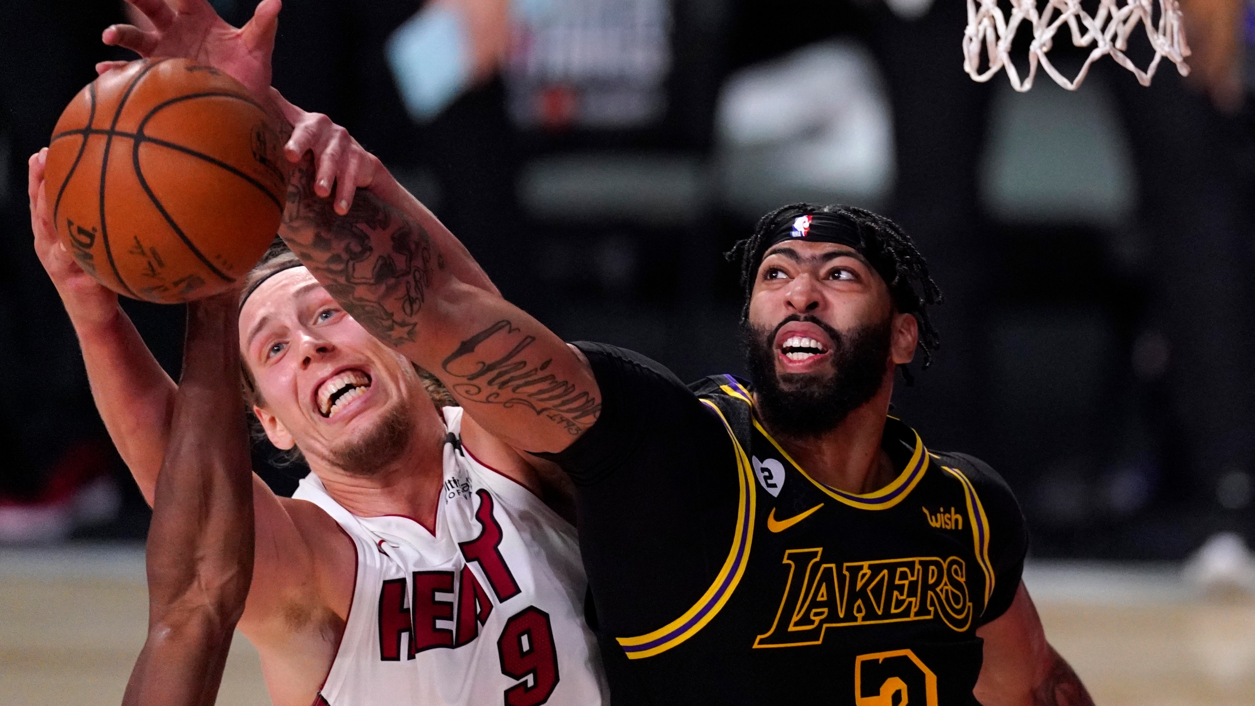 Halfway Home Lakers Top Heat 124 114 For 2 0 Finals Lead Ksnf Kode Fourstateshomepage Com